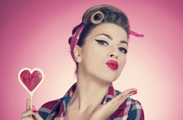 Back to the 50s! Get The Pin up Look! VIDEO