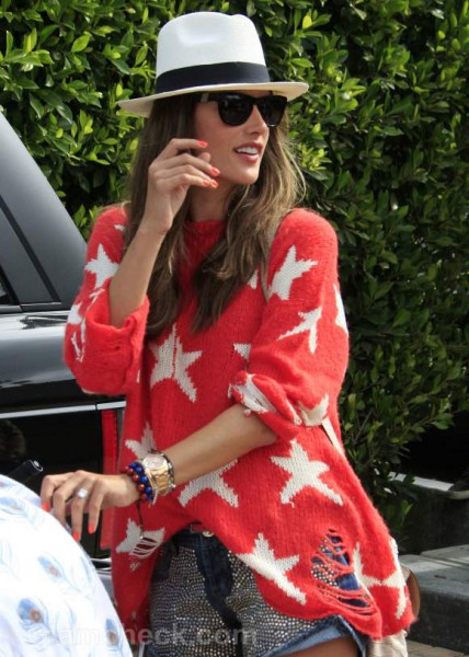 Celebrity Street Style: Alessandra Ambrosio