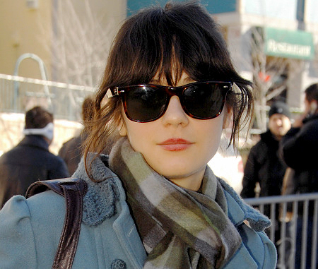 Celebrity Street Style: Zooey Deschanel !