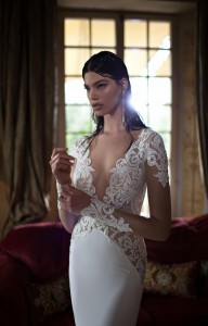 650x1018xBerta-Bridal-Gowns-21.jpg.pagespeed.ic.Oyk5jmPc9Z9LPIBuoIBU
