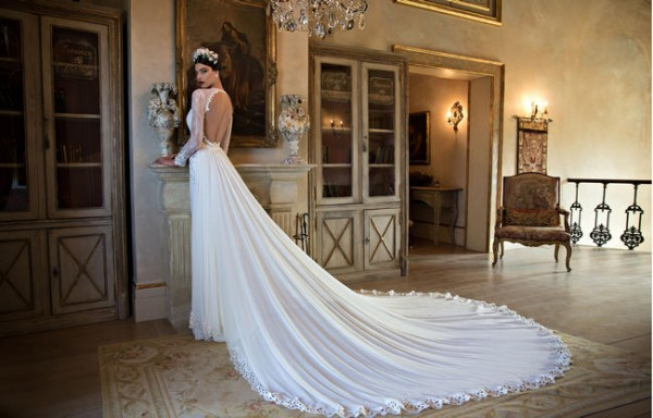 650x416xBerta-Bridal-Gowns-43.jpg.pagespeed.ic.PUIrRMdhbiS96H3xTmLl