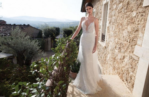 650x425xBerta-Bridal-Gowns-46.jpg.pagespeed.ic.2op_eSRUdKhlll6BTxKU