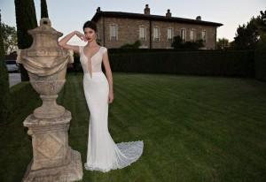 650x447xBerta-Bridal-Gowns-39.jpg.pagespeed.ic.G39VMFV6I9xjQXqPkyQE