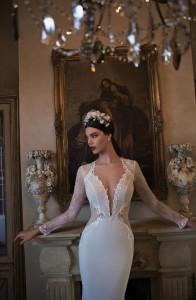 650x995xBerta-Bridal-Gowns-42.jpg.pagespeed.ic.XJGMpHCa1nBMpnS1kzUq
